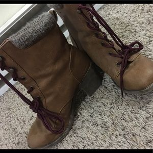 Maurices boots, either size 8 or 8 and a half:)